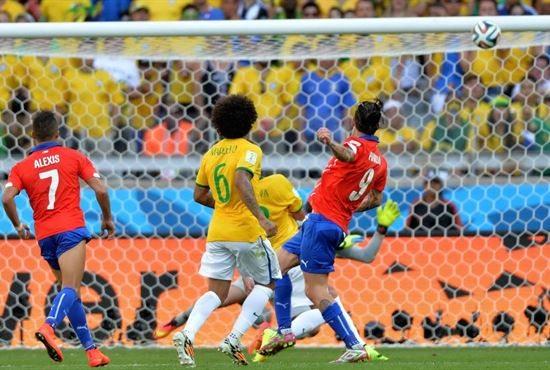 Brasile e Colombia avanti